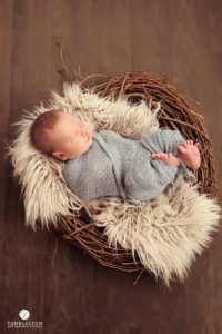 newborn-in-basket-photography